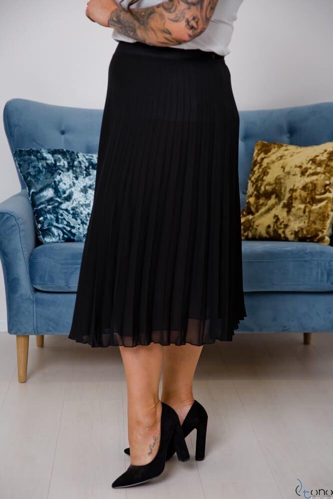 Czarna Spódnica VOLTER Plus Size Plisowana