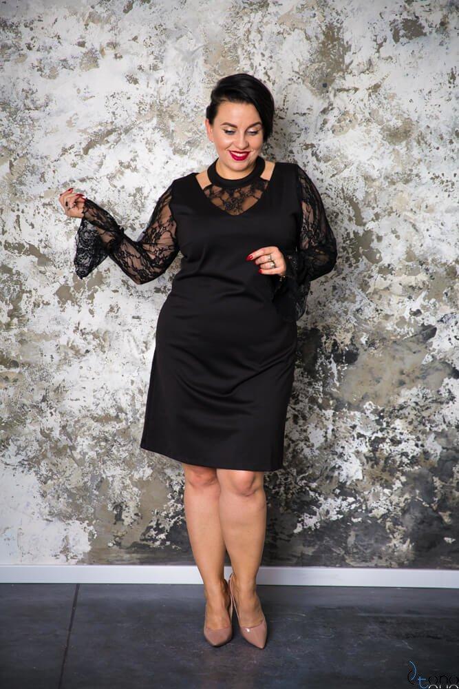 Czarna Sukienka CASCADA Plus Size Wizytowa Wzór 1