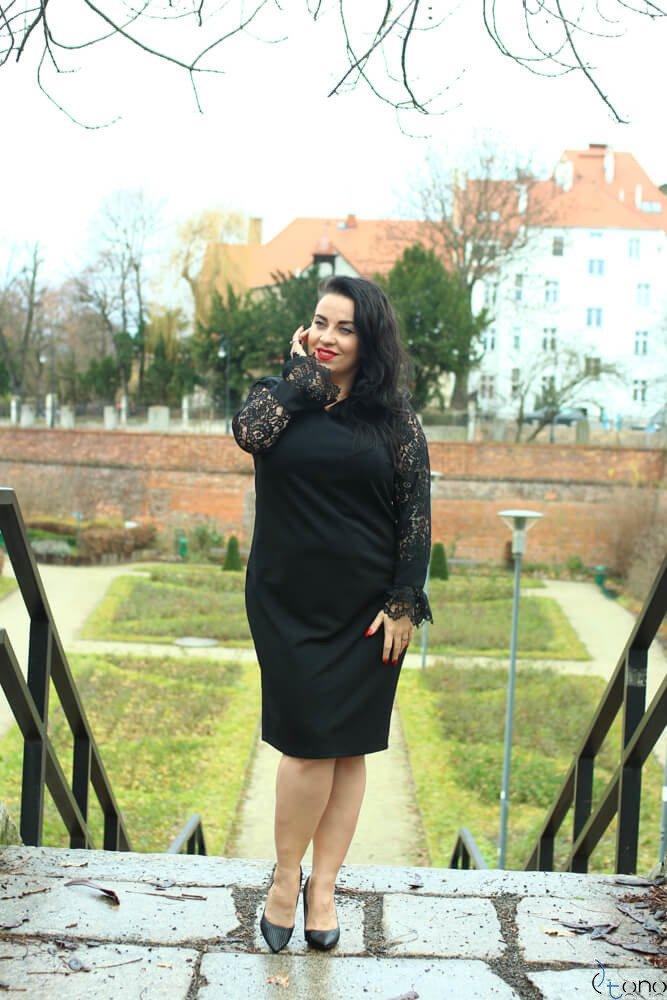 Czarna Sukienka JULLY Plus Size