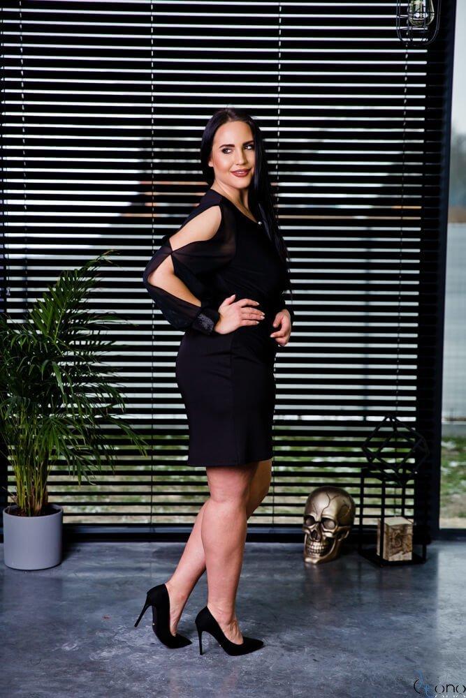 Czarna Sukienka SERHIA Plus Size