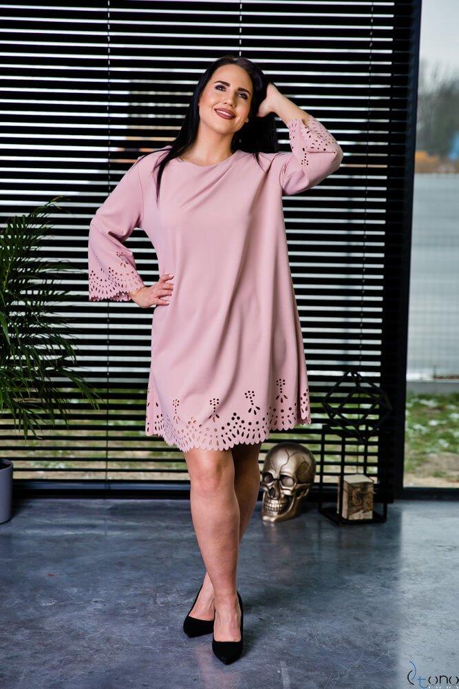Pudrowo różowa Sukienka STOFFA Plus Size
