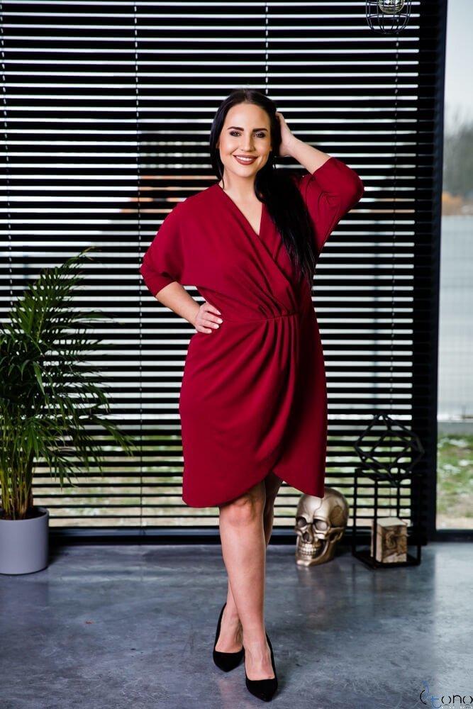 Bordowa Sukienka SOFIJA Plus Size