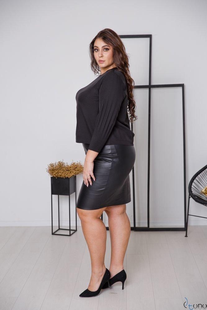 Czarna Spódnica VOBIS Plus Size