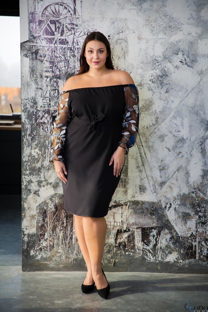 Czarna Sukienka CATYS Plus Size wzór 2