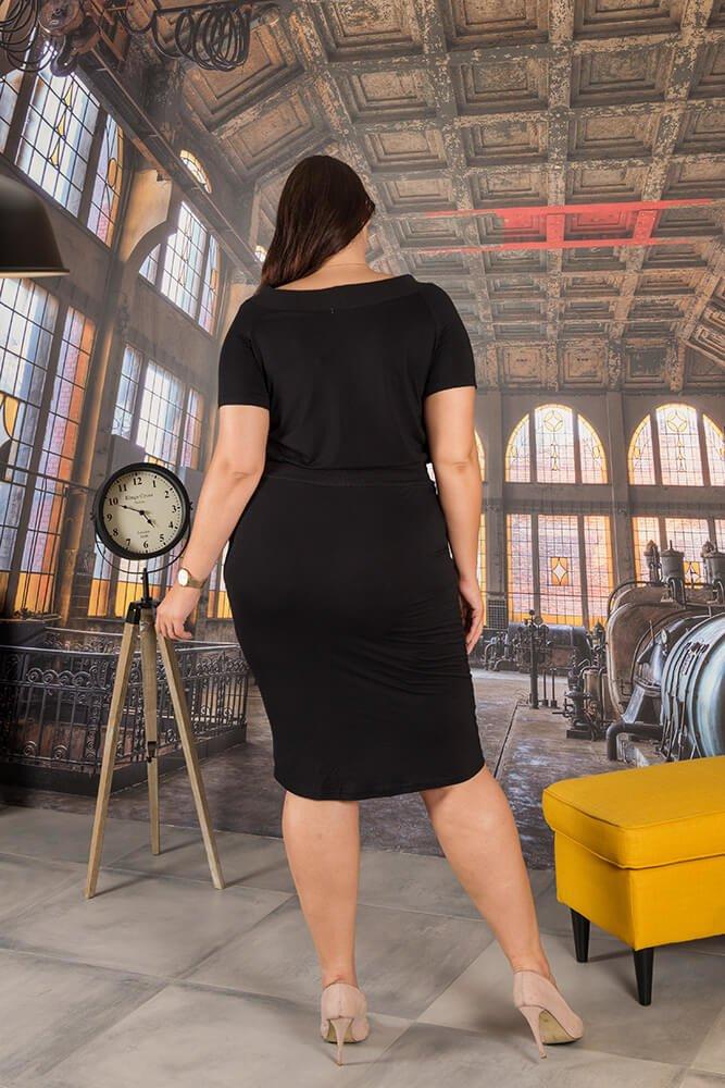 Czarna Sukienka PONNY Plus Size Odcinana
