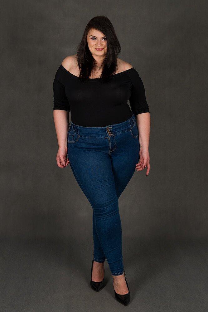 Czarna bluzka damska DEBRA Plus Size Zmysłowa