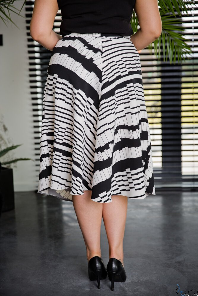 Czarno-Biała Spódnica LAMES Plus Size