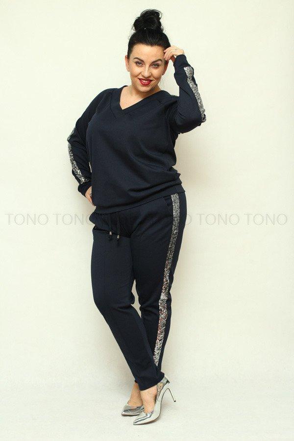 Granatowe spodnie damskie dresowe NEVA2 z cekinowym lampasem plus size
