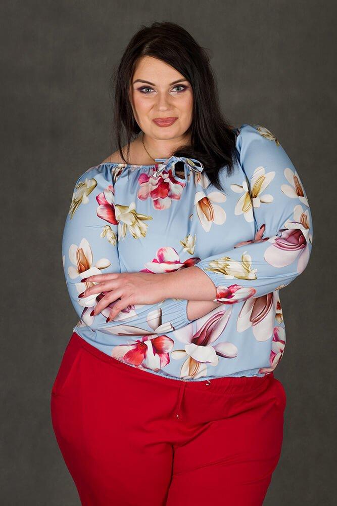 Niebieska bluzka damska JARDIN Kwiaty Plus Size